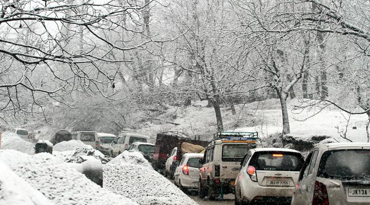 SNOWFALL IN SHOPIAN