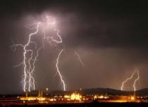 Lightning strikes in West Bengal