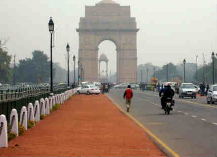 Delhi air improves