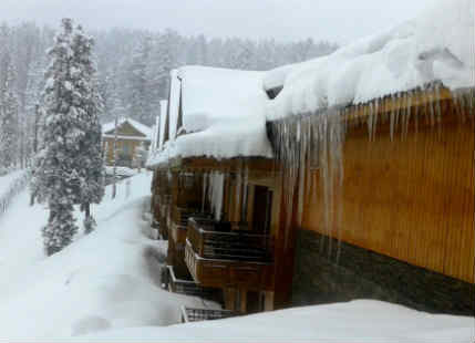 Rain and snow In Srinagar, Gulmarg