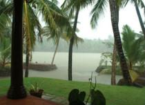 Light rain in Telangana, South Interior Karnataka, Kerala; dry weather in Tamil Nadu