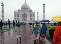 Agra Rain_Rain Taj Mahal_BBC 429