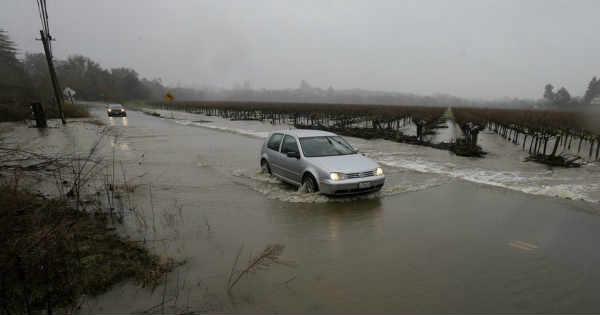 Flooding in California, Washington