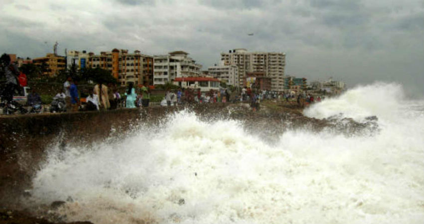 India begins evacuations as Cyclone Fani moves up coast