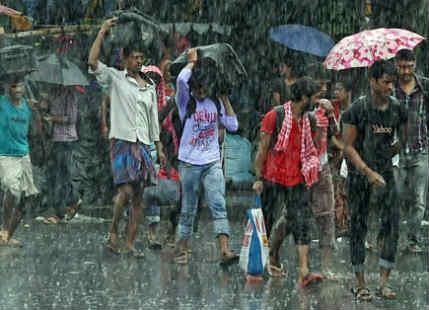Heavy Rain in West Bengal, Kolkata