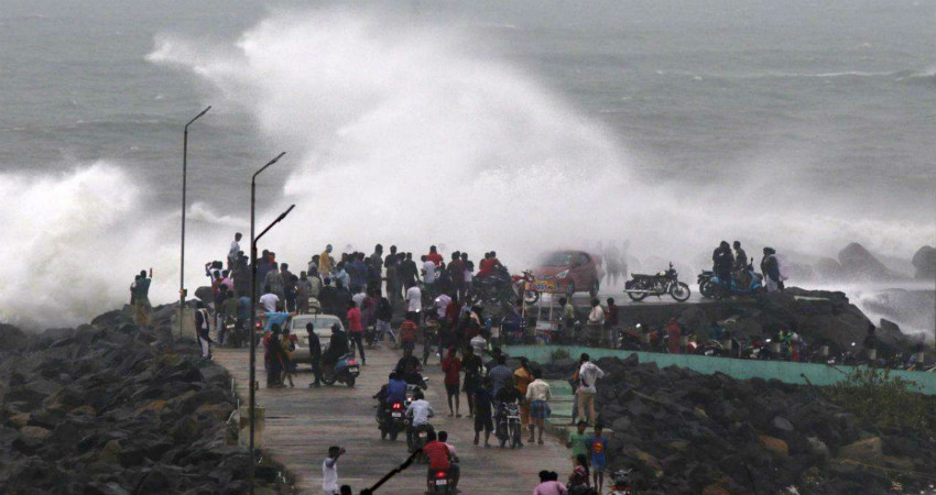 'Extremely severe' cyclone targets India, sparking evacuation of over 800000 people