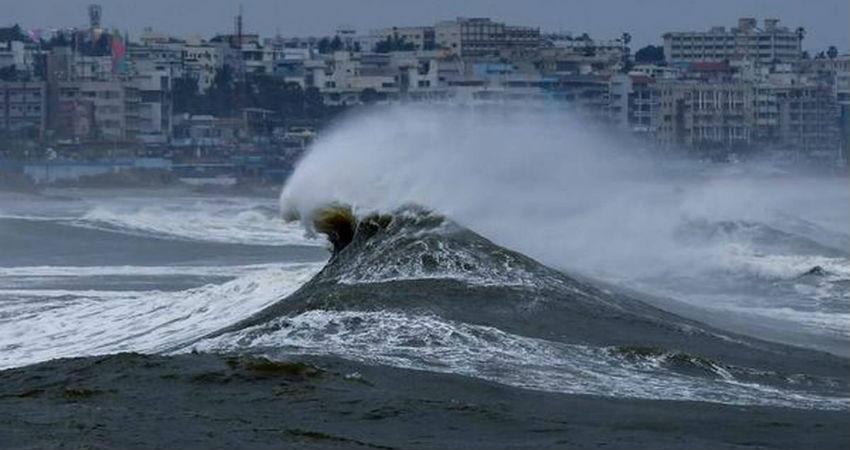 Cyclone Fani live update