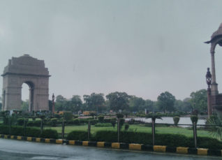 Delhi rain cools down Delhi weather Newsfolo