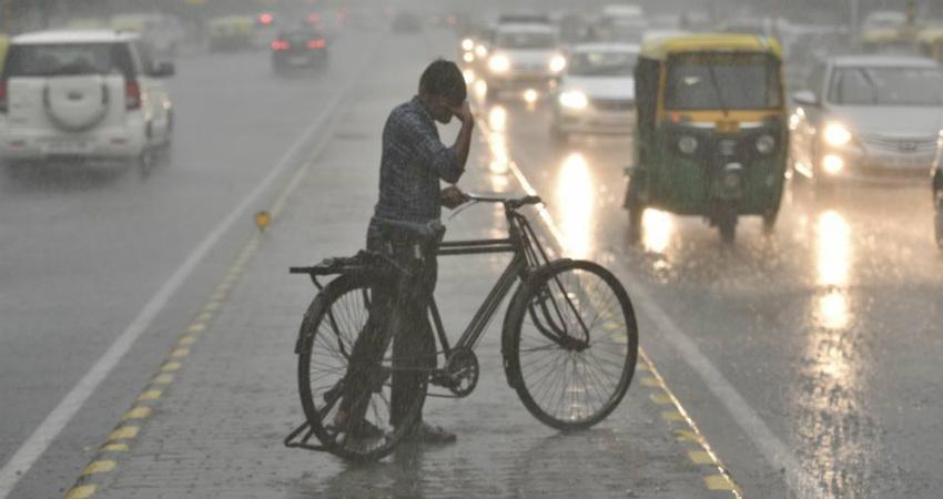 Delhi Rains and Dust storm