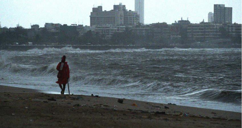 Cyclone Vayu in Karachi