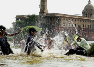 Delhi hot and dry weather