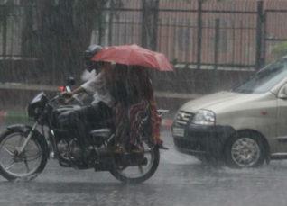 Monsoon rain in Karnataka and Kerala