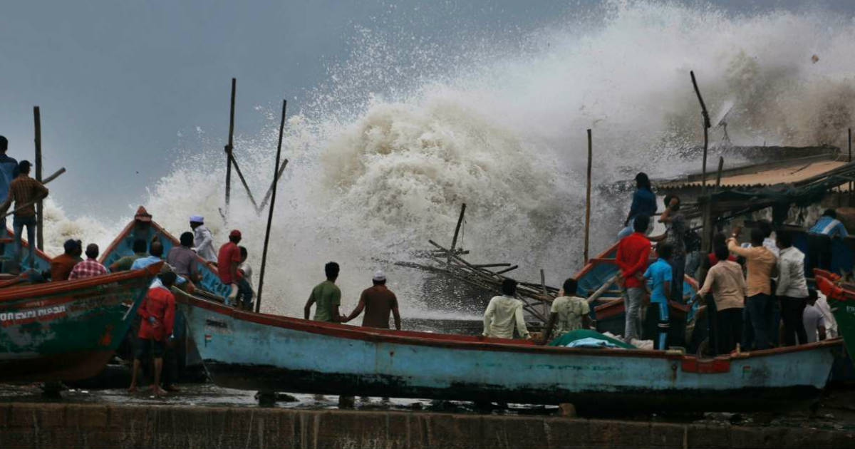 Cyclone Vayu to lash Gujarat