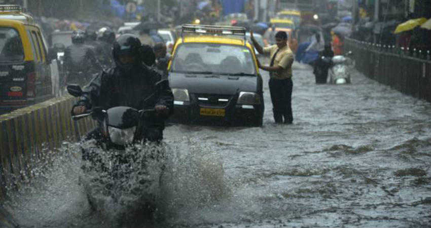 'Very Severe cyclone 'Vayu now 725 km southeast of Karachi