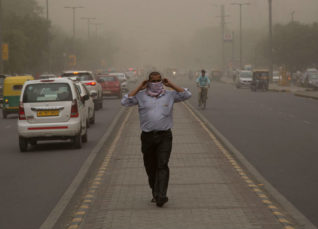 Dust storm and thunderstorm in Delhi