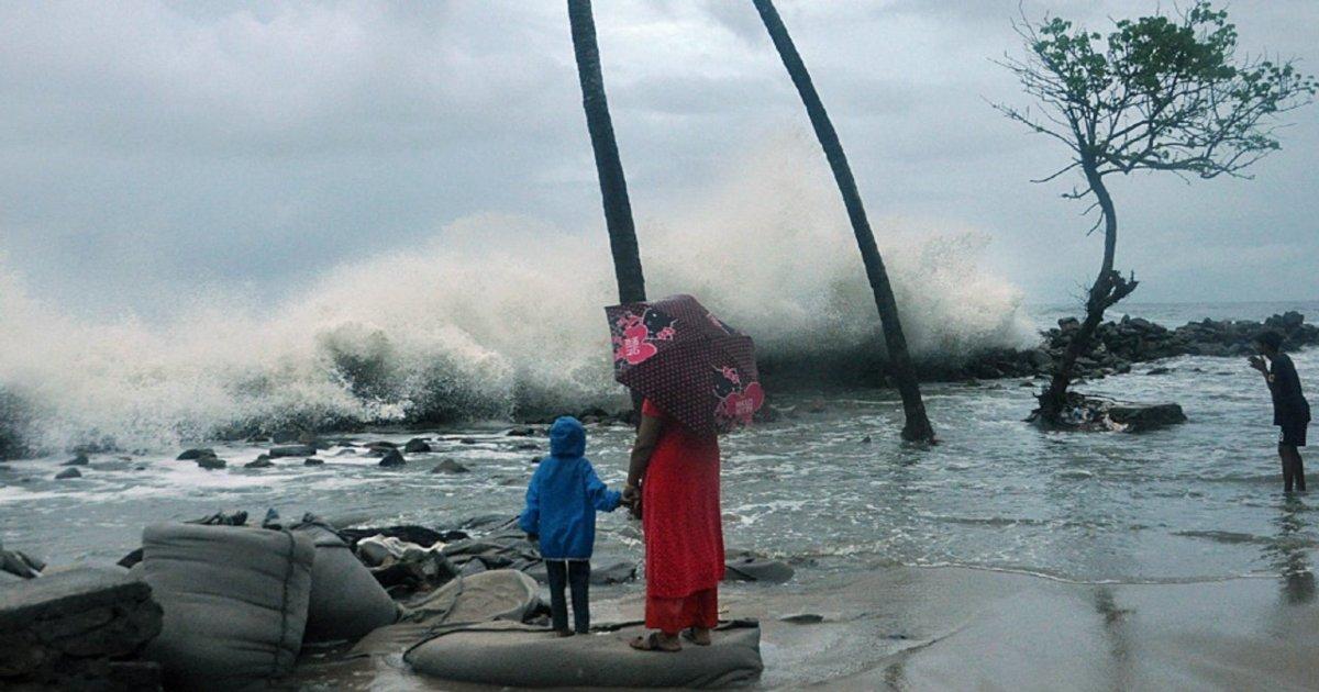 cyclone vayu karachi