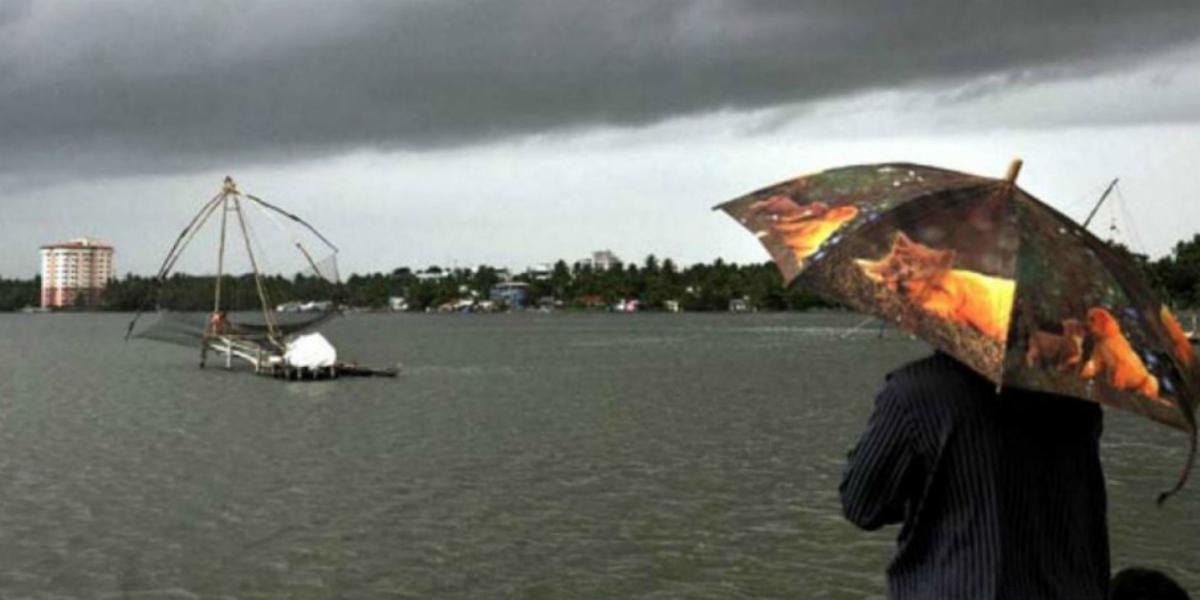 Cyclone Vayu: rain in Gujarat