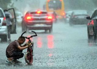 Delhi rains Monsoon rains-Business Today 1200