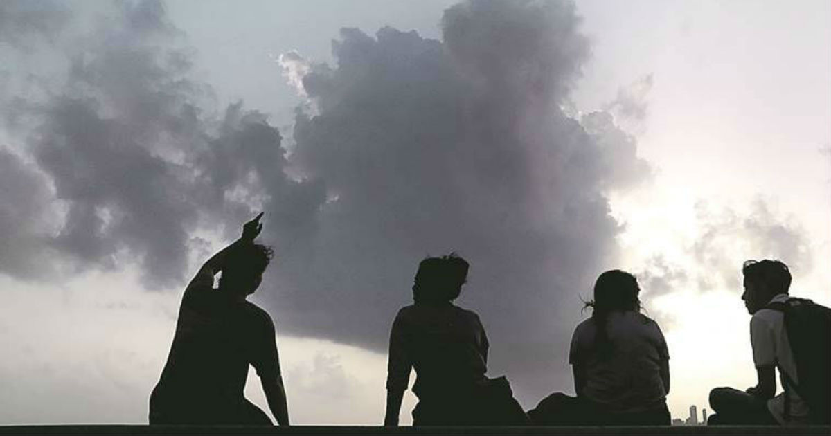 Hot and dry weather in Uttar Pradesh--The Indian Express 1200