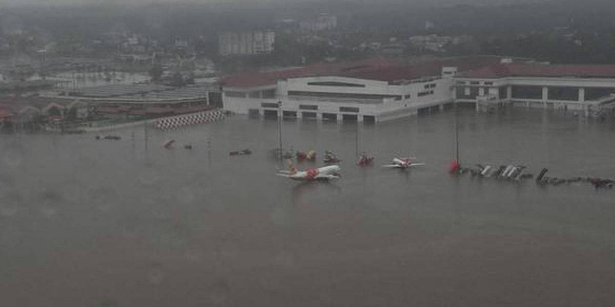 Kochi airport flooded