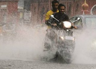 Rain-in-Indore-