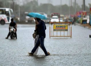 Monsoon rains in Madhya Pradesh--OneIndia 1200