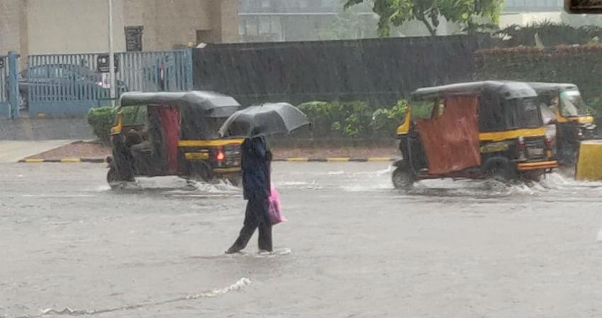 Mumbai rains to remain heavy today, three digit rains once