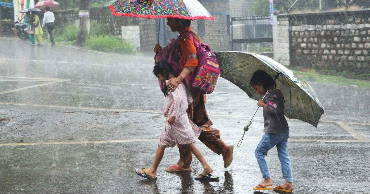 Cyclone Circulation in Gujarat