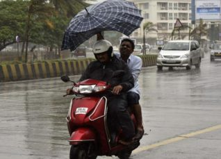 light rain in mumbai (2)