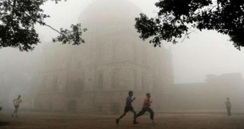 Minimum temperarure in Delhi in November