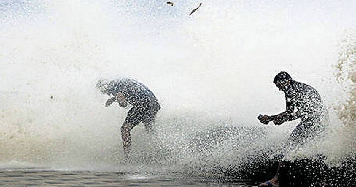 Impact of Cyclone in Indian Seas on the Northeast Monsoon