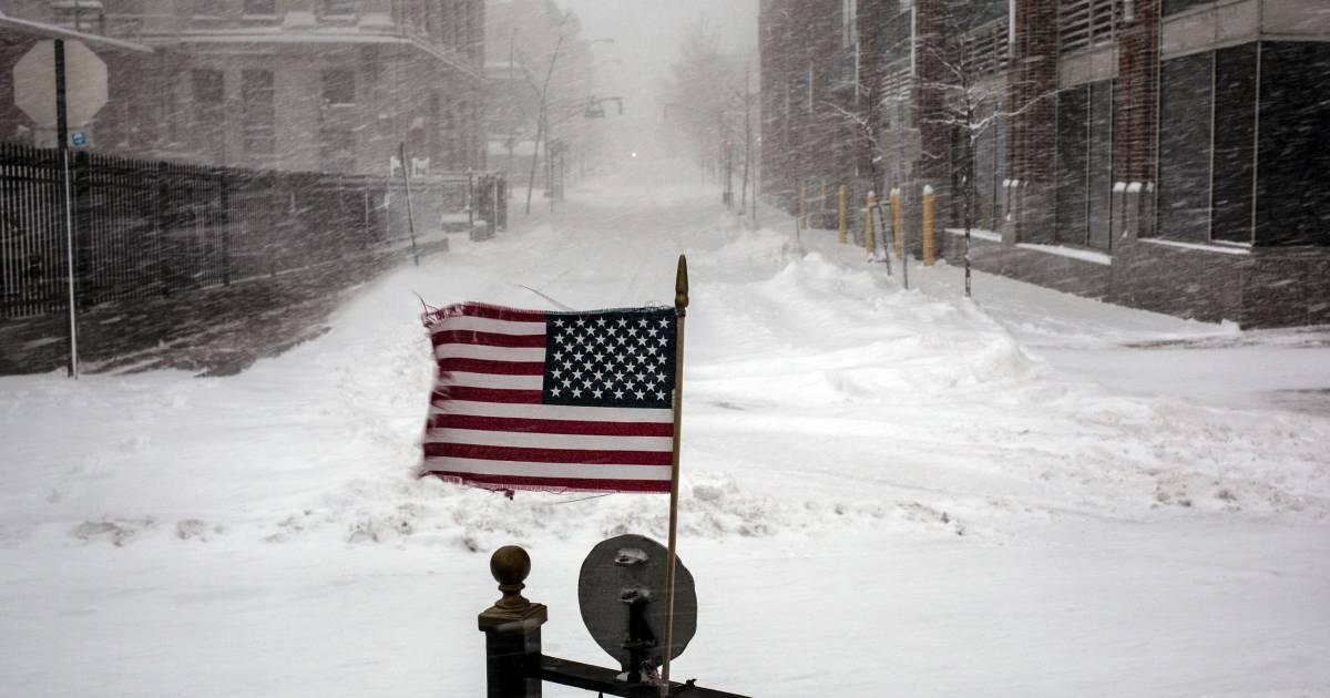 Winter storm strikes the Northeastern United States