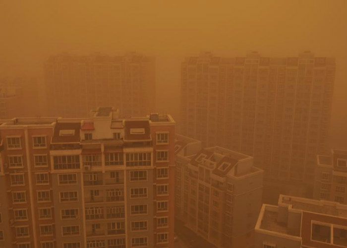 Sandstorm in Wujiaqu City
