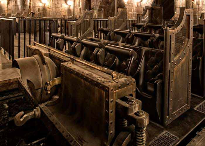 Escape from Gringotts in a Carriage