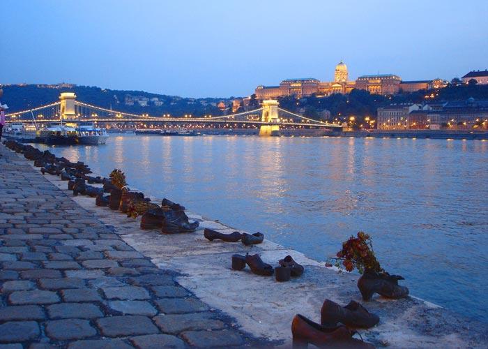 Danube Promenade, Budapest