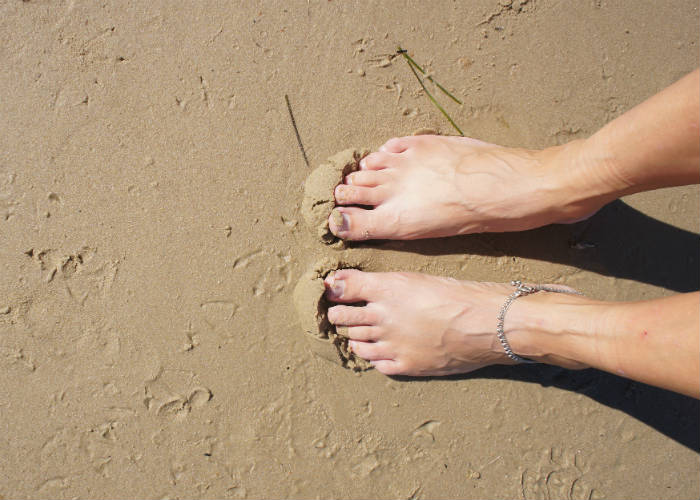 Walking barefoot? No!