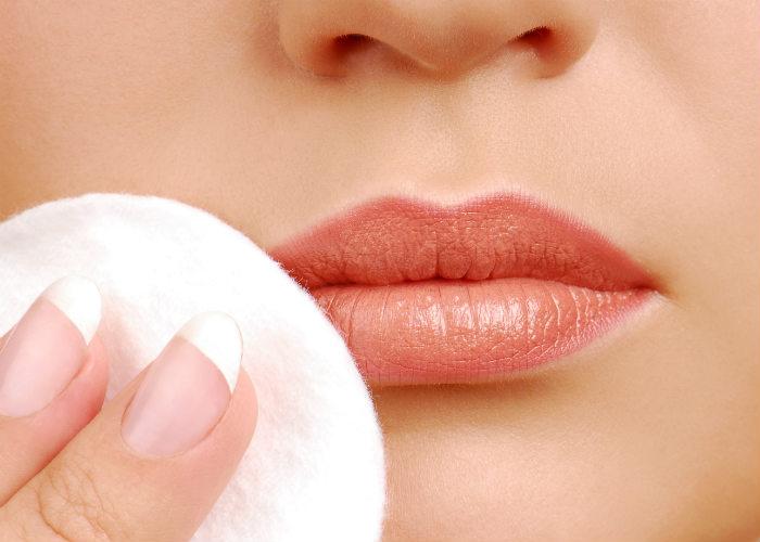 Remove lipstick
